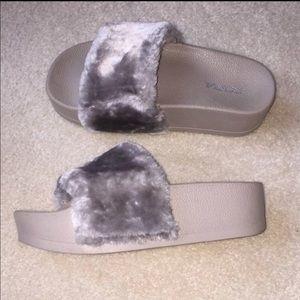 Grey fashion nova fur platform slides SIZE 6